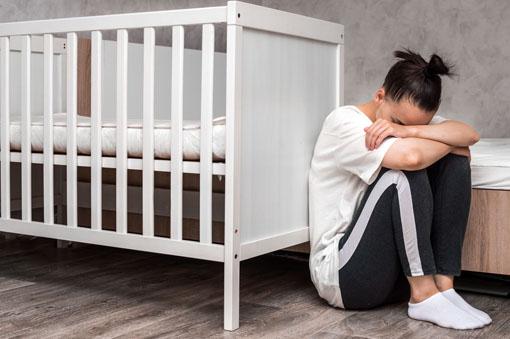 girl in depression image